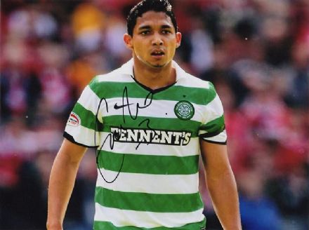 Emilio Izaguirre, Glasgow Celtic, Honduras, signed 8x6 inch photo.